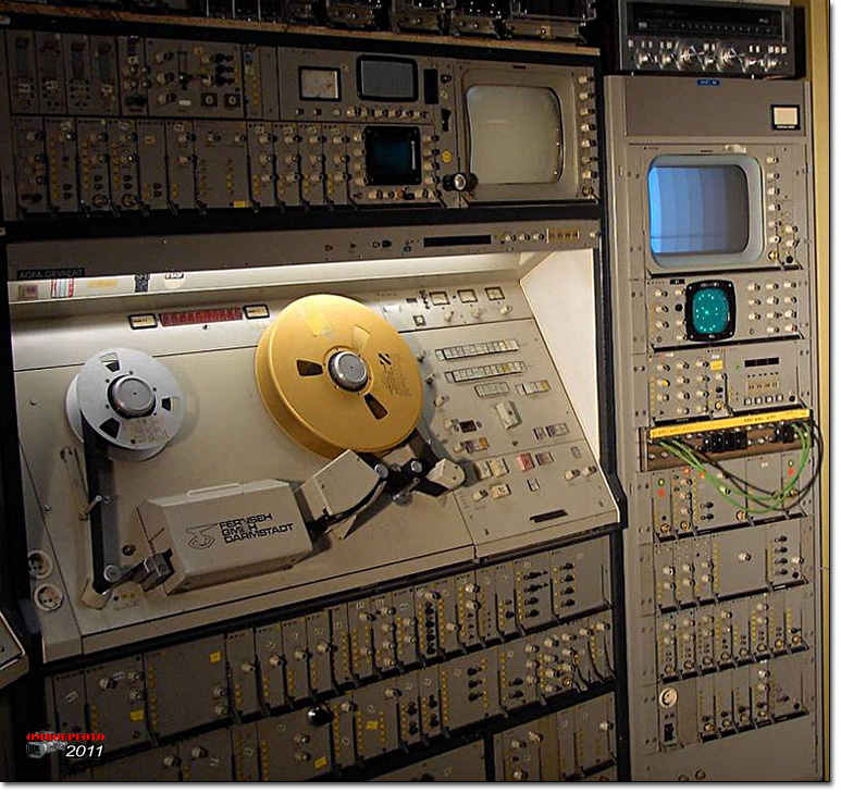 Doos 160 Foto 3253. Oude Ampex machine