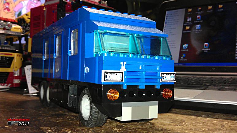 """Doos 163 Foto 3255. Project """"Reportagewagen van Lego"""" van Erik Snel"""