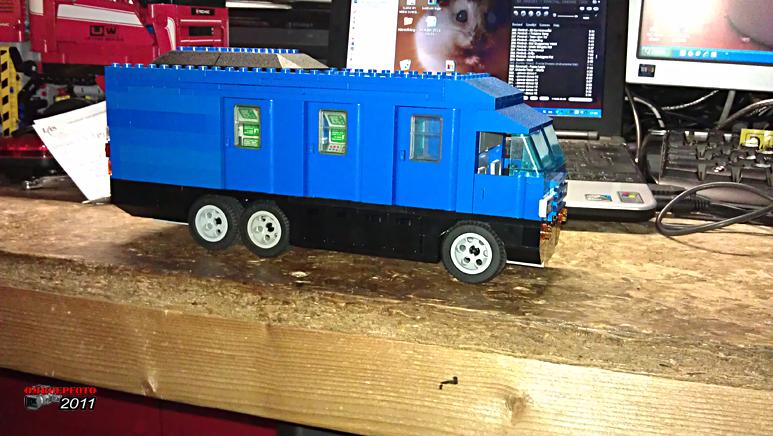 """Doos 163 Foto 3256. Project """"Reportagewagen van Lego"""" van Erik Snel"""
