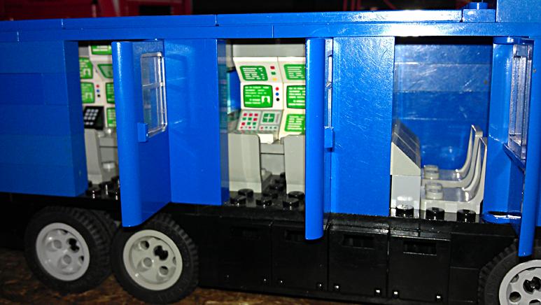 """Doos 163 Foto 3257. Project """"Reportagewagen van Lego"""" van Erik Snel"""