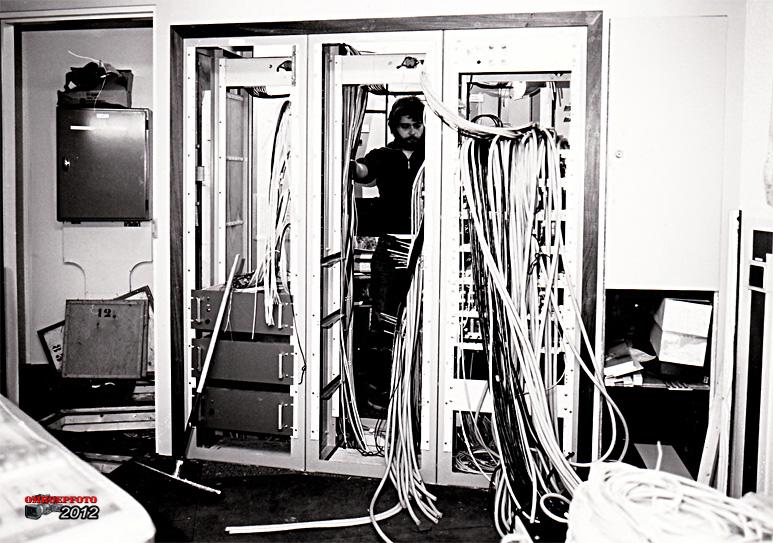 Op deze OmroepFoto : Opbouw van het audiosteekveld in Studio - 5