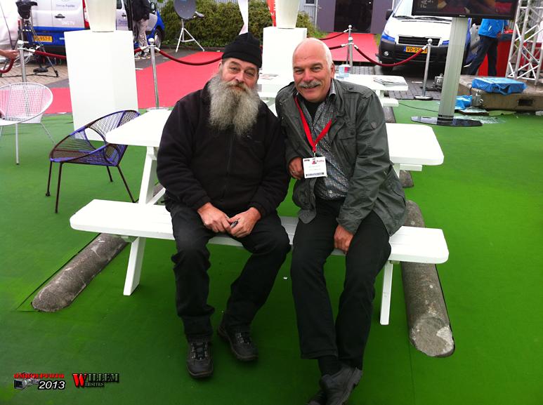 Op deze OmroepFoto : In de tent met Ron Rensenbrink