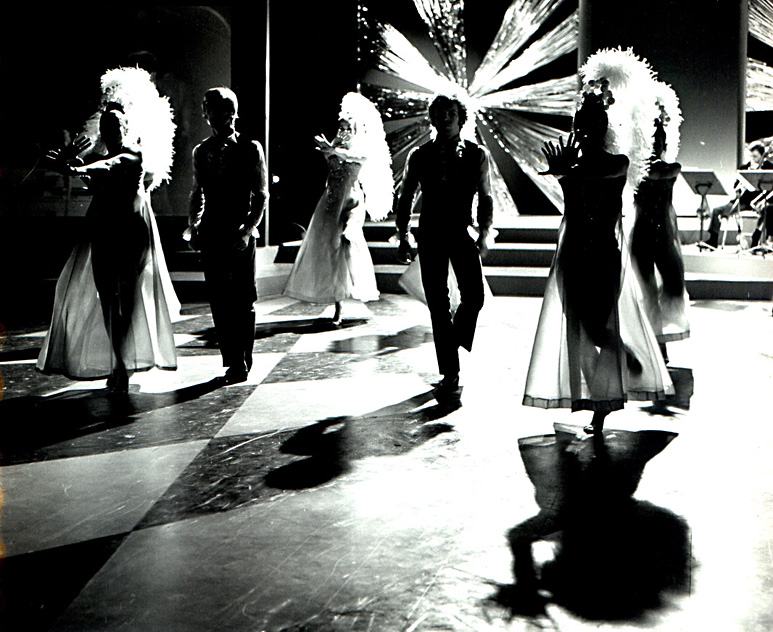 Op deze OmroepFoto : Foto 3448 : Jubileum programma. Decor Cor Hermeler