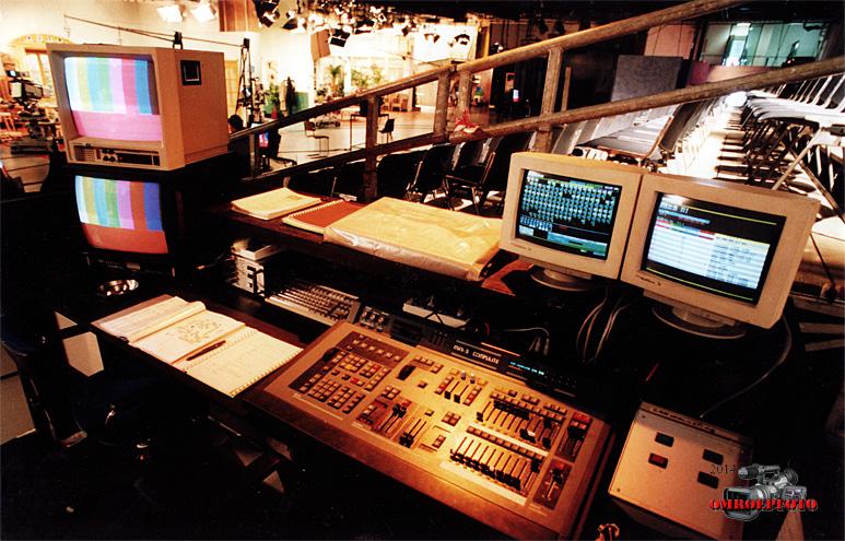 """Op deze OmroepFoto : Lichtpositie in Studio 20, in de jaren '90. Programma """"Oppassen!"""